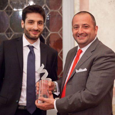 MIGLIOR PRODOTTO DOMOTICO  MOON  Ecotono (Valli Srl)  Vittorio Basso Ricci (GM International) premia  Ecotono